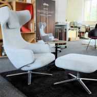 Vitra_Sessel_Grand-Repos_links_by_Stilleben_0000